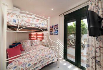 Krevatina bedroom2